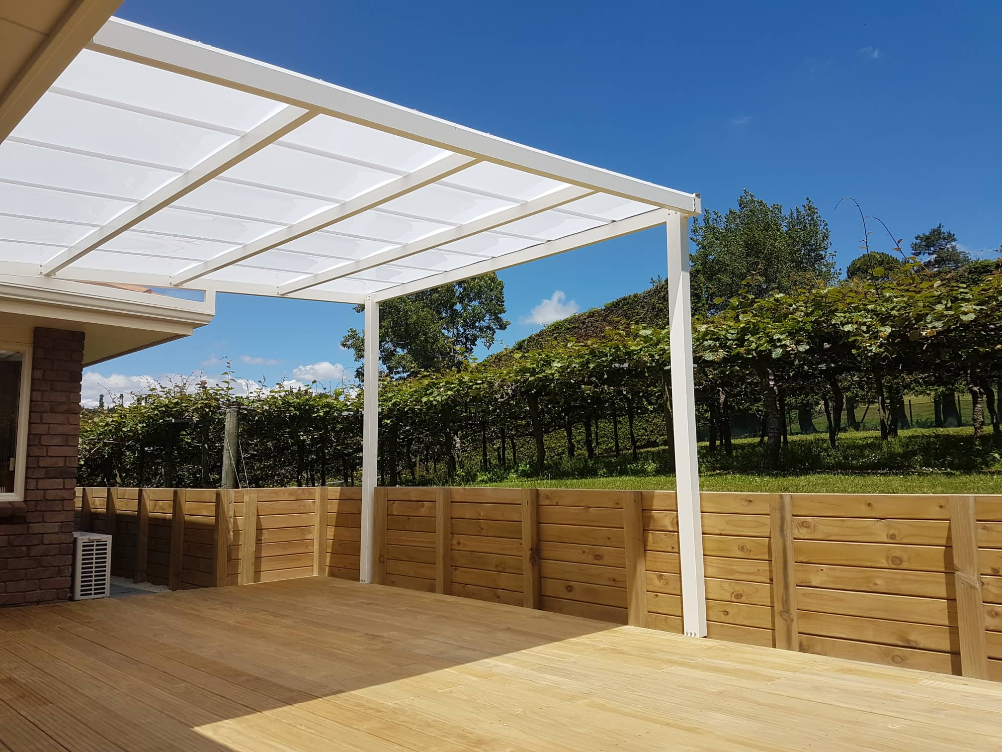 outdoor sun shade system