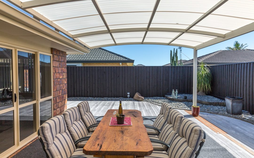 Christmas Hosting Tips for Sun Shade Owners