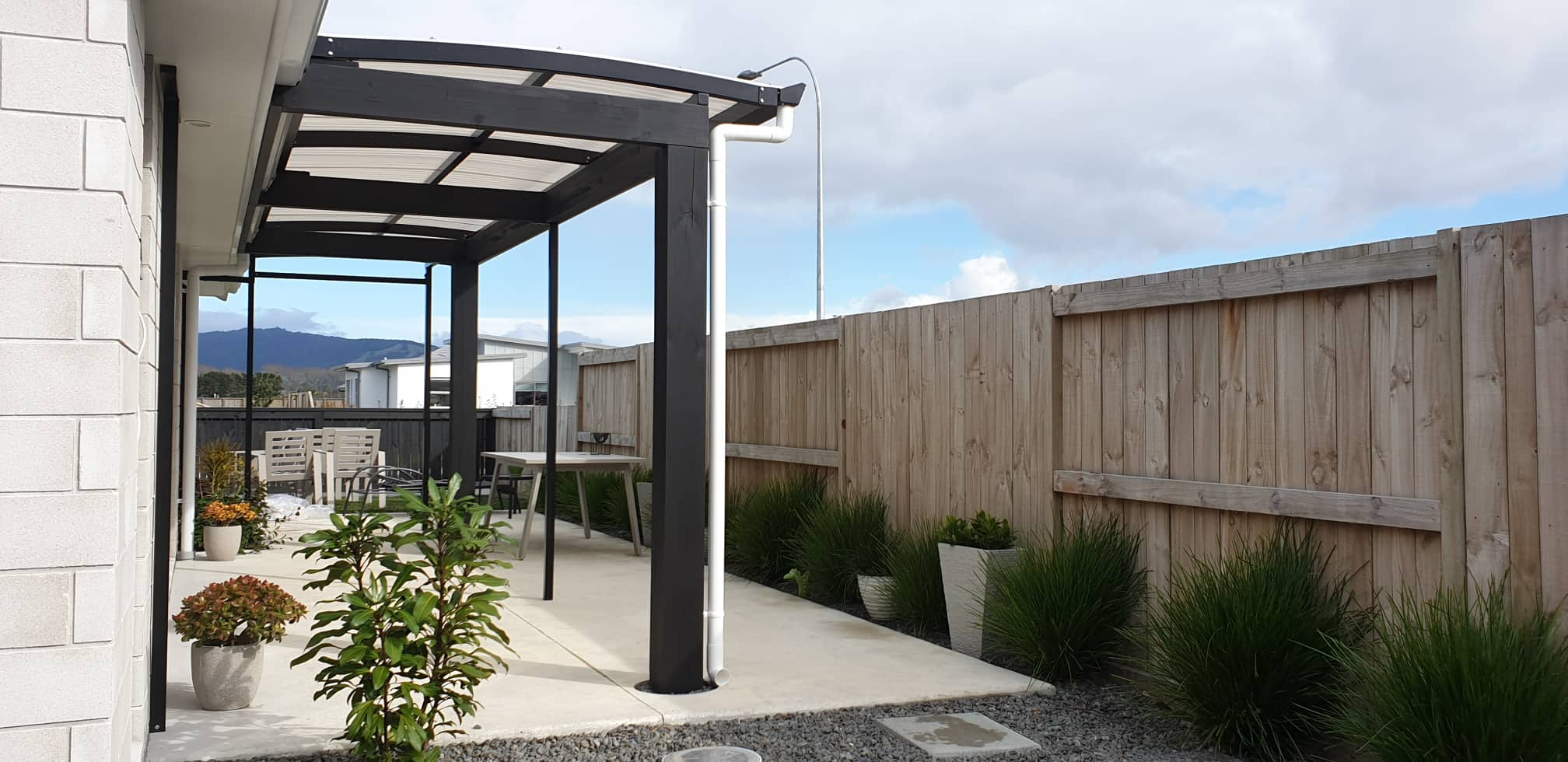 curved awning