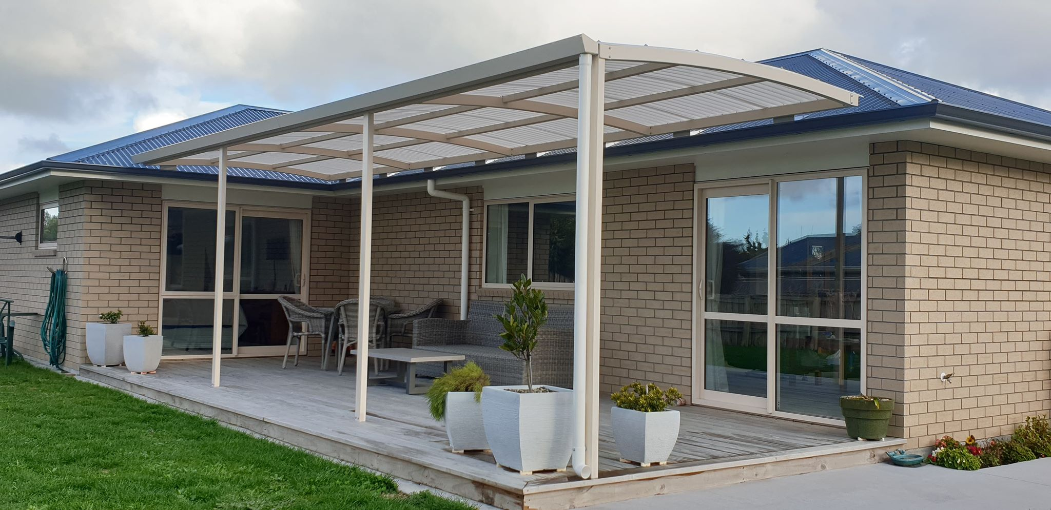 curved sun awning