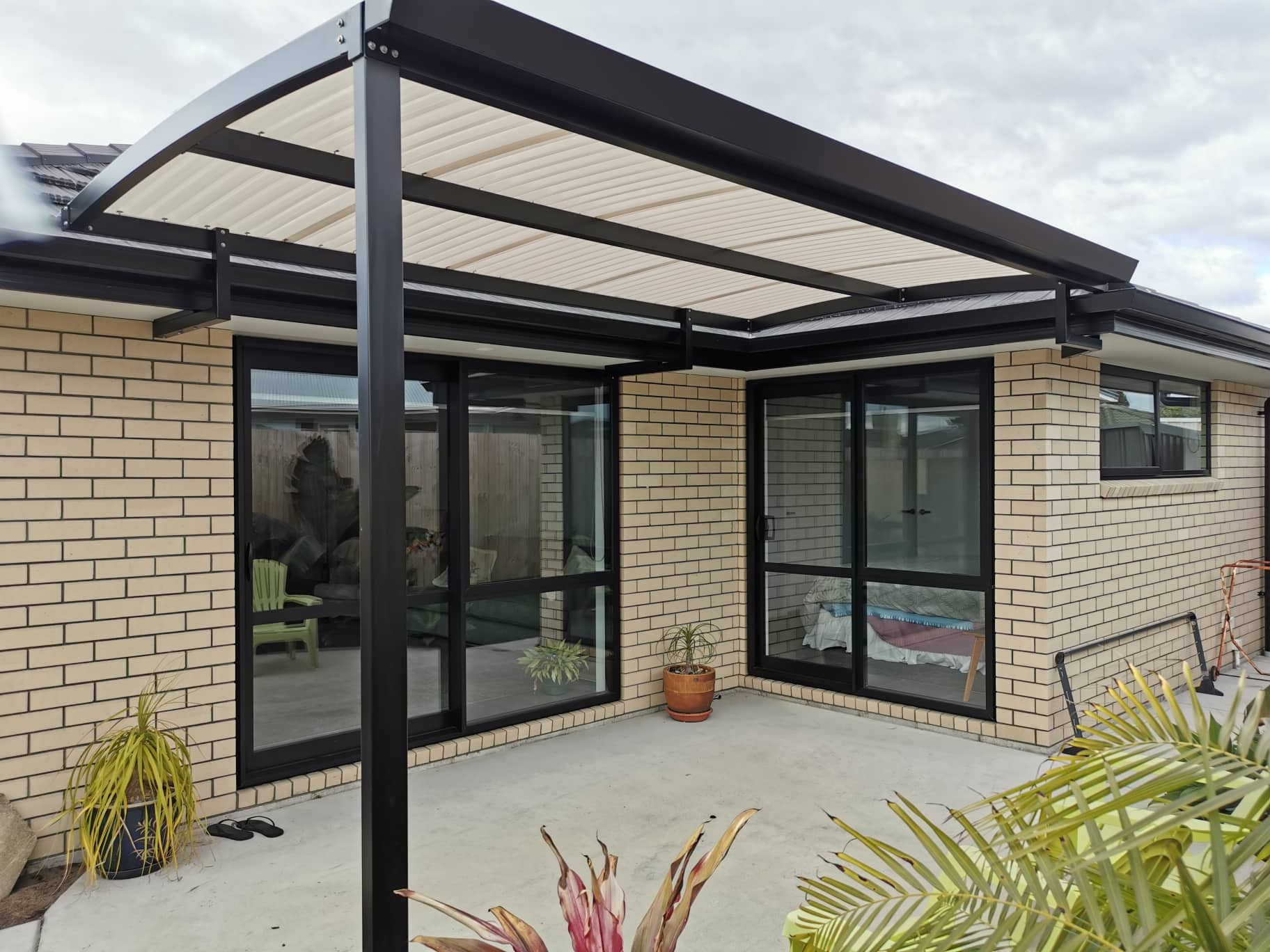 curved awnings